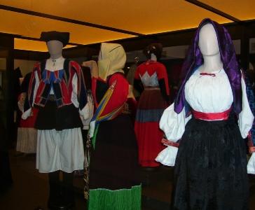 ISRE, costumi sardi